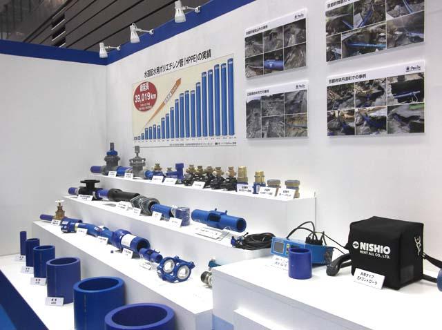 写真6:各社の製品展示